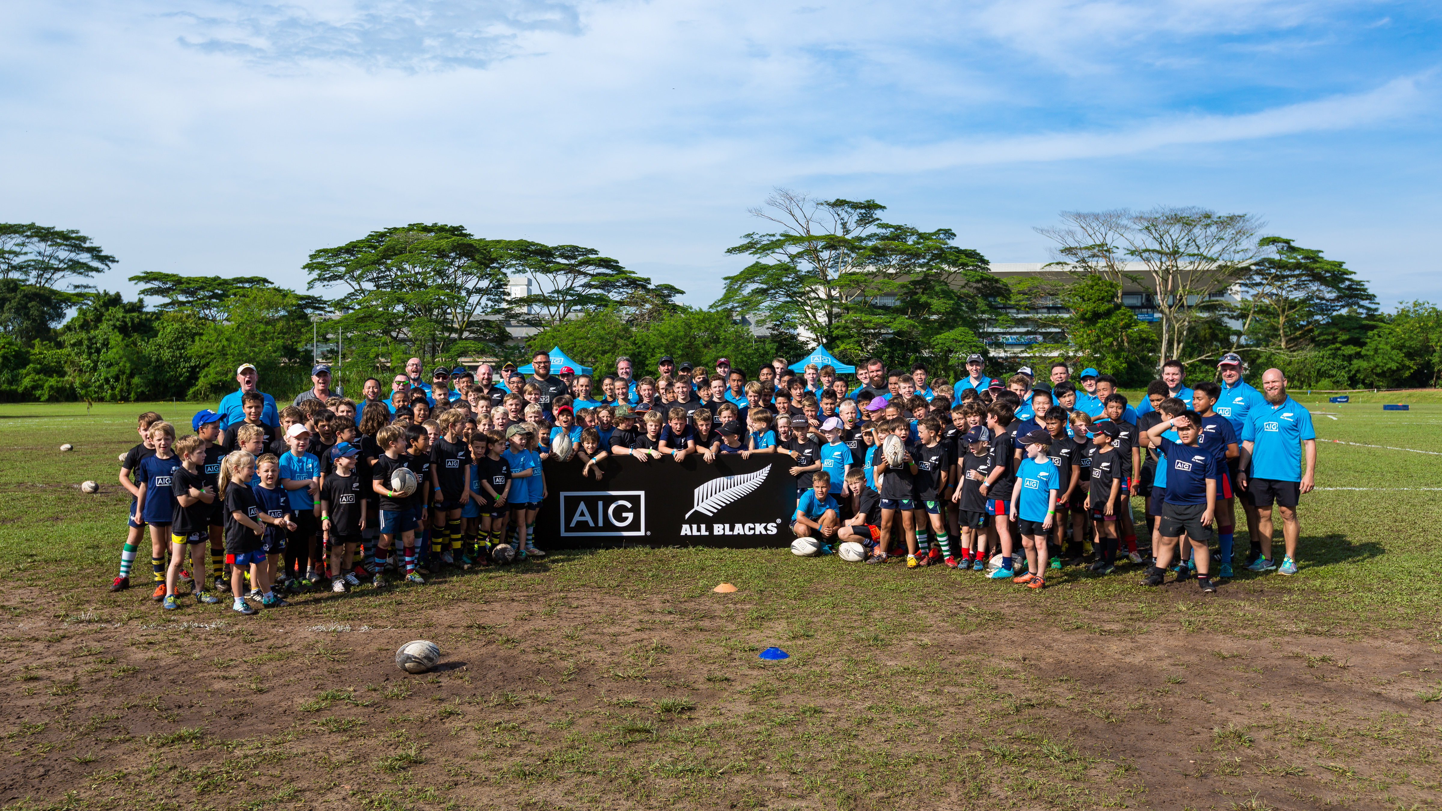 AIG Singapore welcomed All Blacks players Tim Perry, Angus Ta'avao and Liam Coltman to the Tanglin Rugby Club Pitch for a grassroots rugby training.